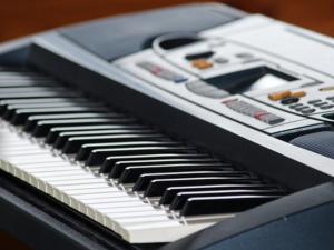 Keyboard lernen mit Keyboardunterricht und Keyboardlehrer in Brachttal