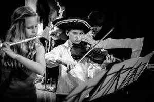 kinder lernen querflöte mit querflötenunterricht und querflötenlehrer