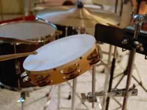 Schlagzeug lernen mit Schlagzeugunterricht und Schlagzeuglehrer in Mengerskirchen