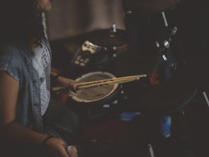 Schlagzeug lernen mit Schlagzeugunterricht und Schlagzeuglehrer in Stephanskirchen, Simssee