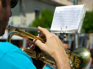 Trompete lernen mit Trompetenunterricht und Trompetenlehrer in Altdorf, Markt